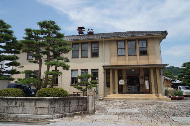 近江八幡市立資料館正面