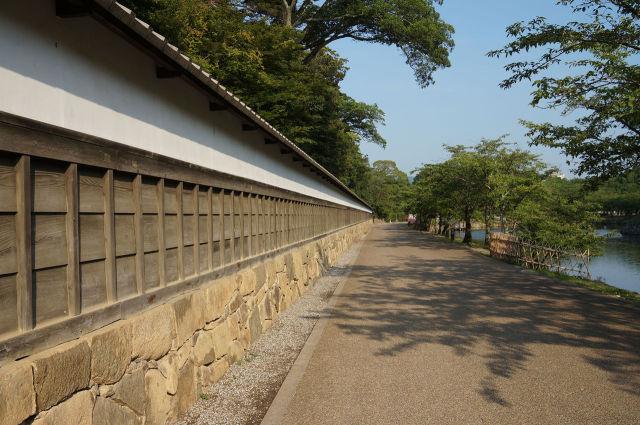 彦根城いろは松
